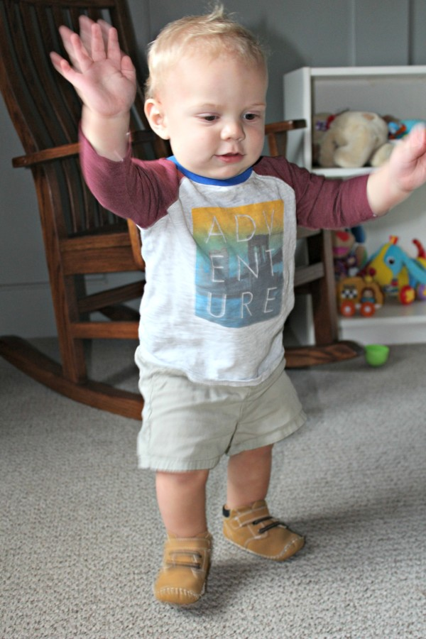 buel-11-months-walking